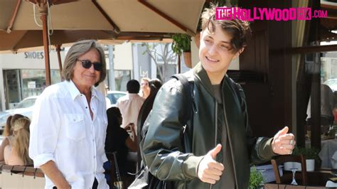 Anwar Hadid Is Congratulated On His Teen Vogue Cover At Il